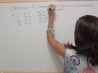Ordenación de elementos químicos en función de su energía de ionización