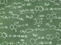 Pizarra con fórmulas químicas