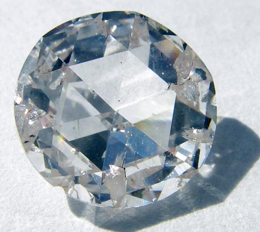 Diamante tallado como gema de joyería