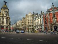 Asfalto de la Gran Vía de Madrid