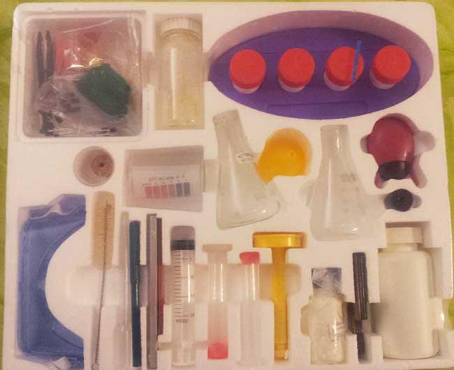 El interior de la caja de Quimicefa