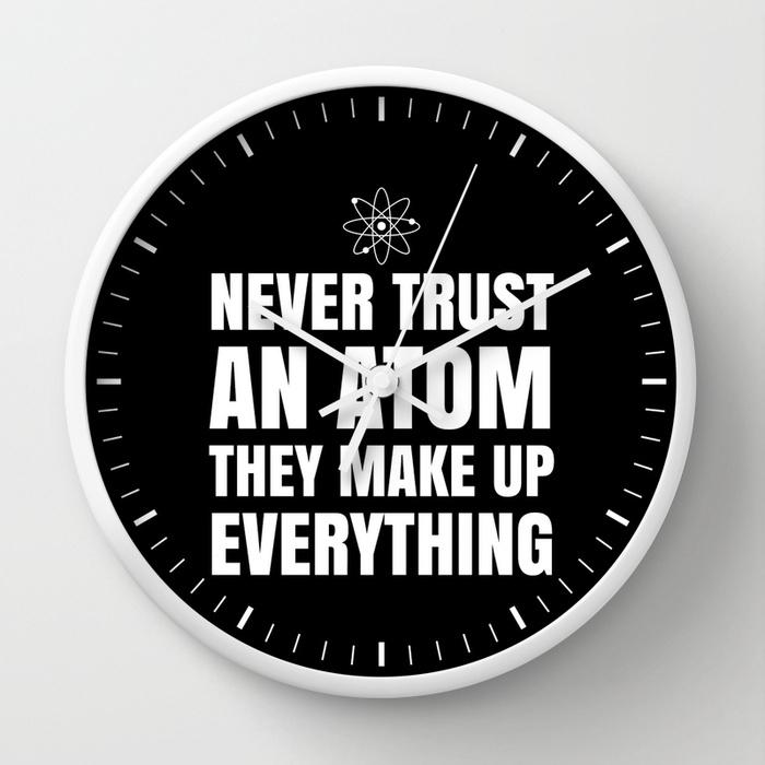 Reloj de pared: nunca confíes en un átomo