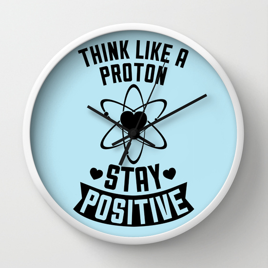 Reloj de pared piensa positivo